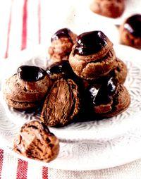 Profiterol_cu_ciocolata_smantana_si_lapte