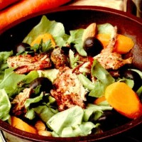 Salata cu scrumbie, masline si morcov