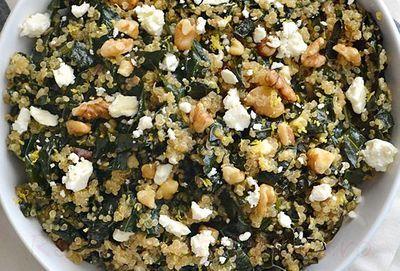 Salata de quinoa cu branza si verdeata