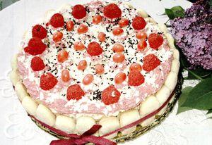 Tort_cu_crema_de_caramel_si_cocos
