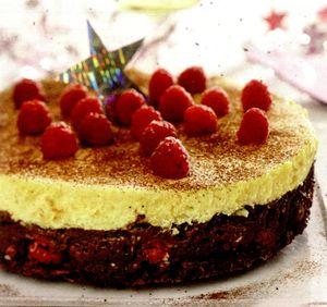 Tort_de_ciocolata_cu_zmeura_si_migdale