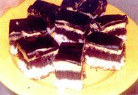 Prajitura_cu_crema_de_vanilie_si_glazura_de_ciocolata