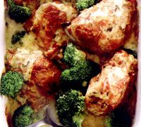 Pulpe_de_pui_cu_paste_si_broccoli