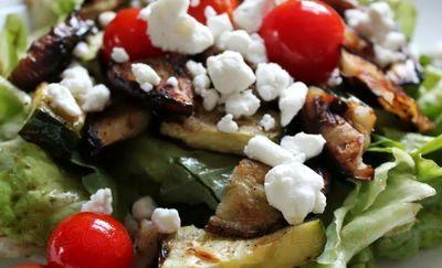 Salata cu feta si legume
