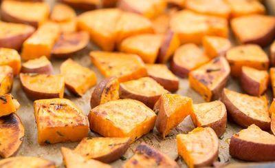 Cartofi dulci-acrisori cu vin