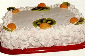 Tort_cu_rom_ciocolata_si_frisca