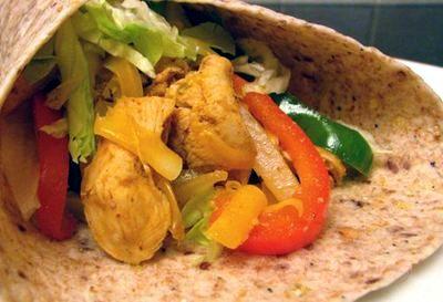 Tortilla_umplute_cu_pui_si_legume_10