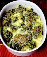Broccoli gratinat cu telemea