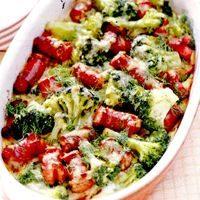 Carne_de_miel_cu_broccoli_si_carnati_la_cuptor