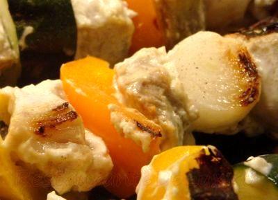 Frigarui de porc cu sos de iaurt