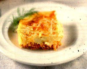 Mancare_de_pui_cu_cartofi_si_cascaval_la_cuptor