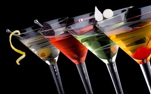 Cocktailuri savuroase pentru masa de Paşte
