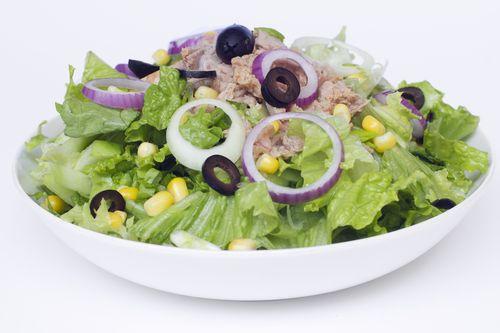 Cum se prepara Salata cu spanac si naut