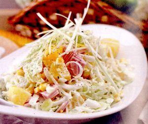 Salata_cu_ananas_varza_chinezeasca_si_praz
