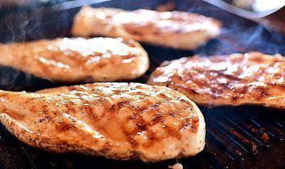 Salata_de_pui_cu_oua_fierte_si_bacon_07