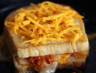 Sandwich_cu_branza_si_kimchi_02