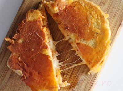 Sandwich_cu_branza_si_kimchi_05