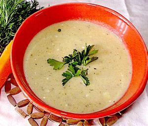 Supa-crema de cartofi cu patrunjel verde