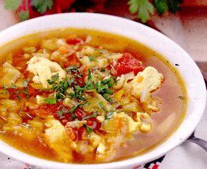Supă de varză şi cartofi