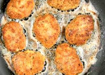 Chiftele de pui cu vita in crusta de pesmet