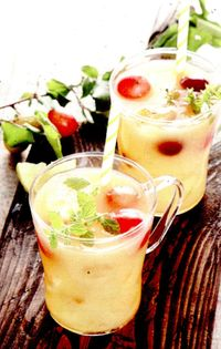 Cocktail_cu_ananas_merisoare_si_ghimbir