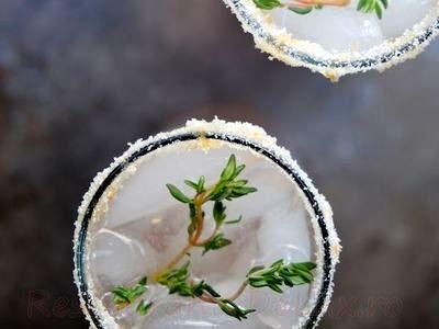Cocktail cu gin si suc de grapefruit