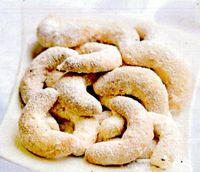 Cornulete cu nuci si vanilie