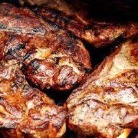 Friptura de porc cu legume si boabe de porumb