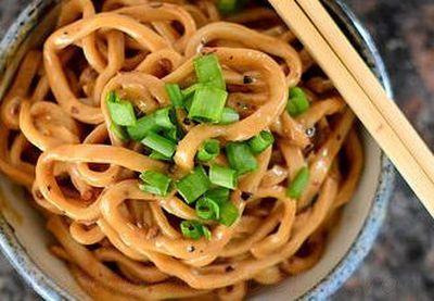 Noodles cu ulei si chili