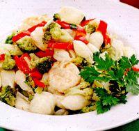 Paste_cu_creveti_broccoli_si_busuioc