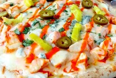 Pizza_cu_piept_de_pui_si_mix_de_branza_08