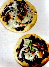 Pizza_cu_piept_de_pui_si_pasta_de_prune