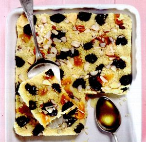 Prajitura_cu_cuscus_fructe_uscate_si_nuci