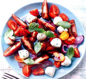Salata_asortata_cu_mozzarella