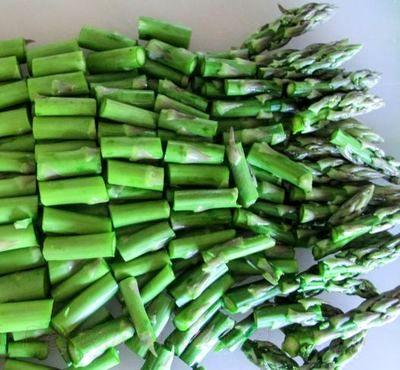 Salata calda de legume coapte