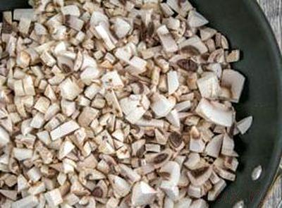 Salata de ciuperci sote cu oua fierte