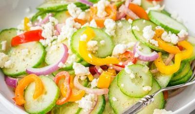 Salata de legume cu branza feta