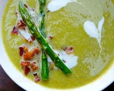 Supa de sparanghel cu bacon si smantana