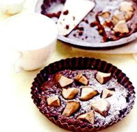 Tarta_cu_ciocolata_pere_si_stafide