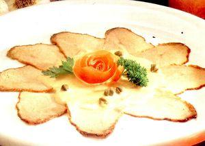 Carne_de_vitel_in_sos_tomat_si_sardine