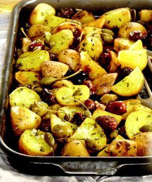 Cartofi cu masline si verdeata