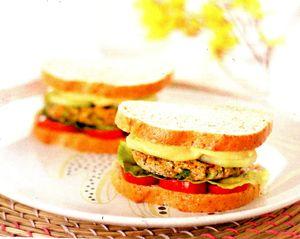 Hamburger_vegetarian_cu_linte_si_quinoa