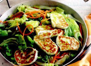 Salata_cu_branza_cuscus_si_rodie