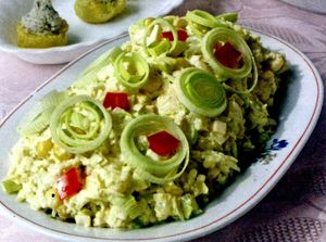 Salata cu sunca, praz si ananas