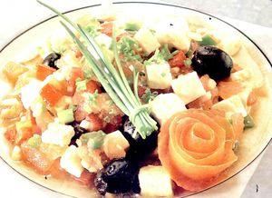 Salata_italiana_cu_branza_masline_si_ardei_gras