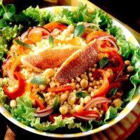 Salata_orientala_cu_chefal_si_cuscus
