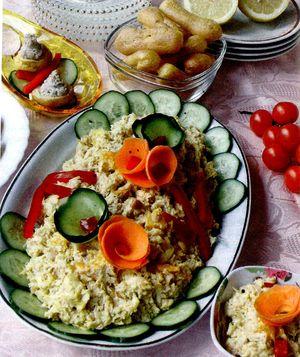 Salata_poloneza_cu_pui_portocala_si_alune