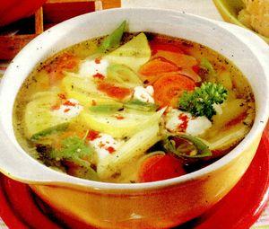 Supa de dovlecel cu marar si ghimbir