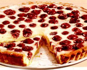 Tarta_cu_branza_ciocolata_si_cirese