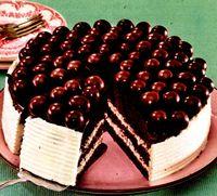 Tort_delicios_cu_frisca_si_ciocolata